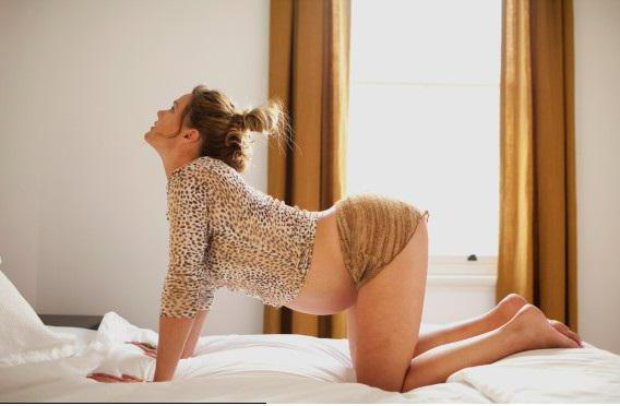 Колено локтевое положение во вреся секса