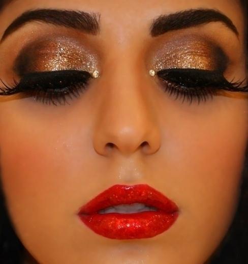 Как правильно подобрать праздничный макияж?