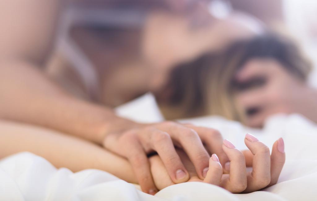 Самые безболезненные позы для лишения девственности