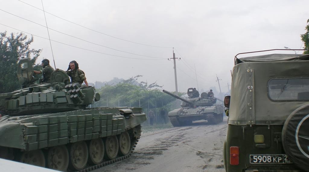 фото воин на дороге в южной осетии они нашли