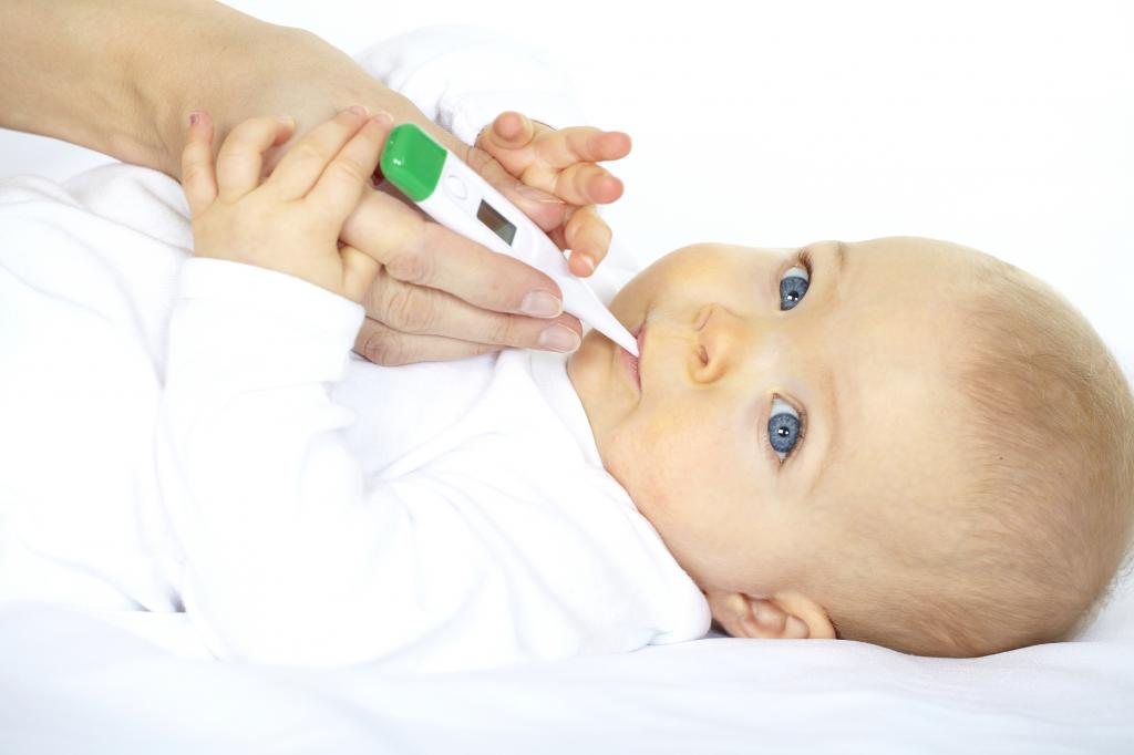 Как правильно растирать ребенка водкой при температуре