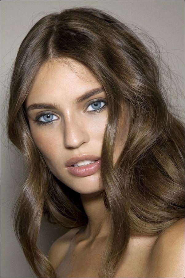 цвет волос подходящий к голубым глазам
