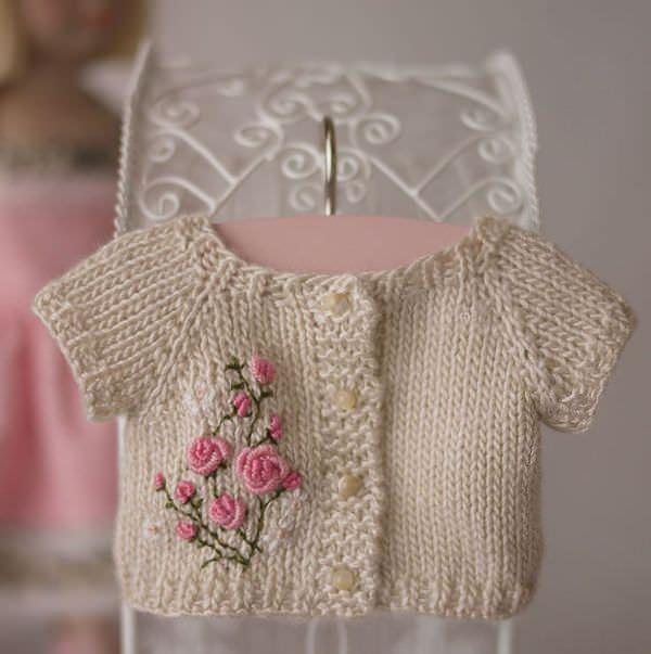 Красивая вышивка на детской одежде