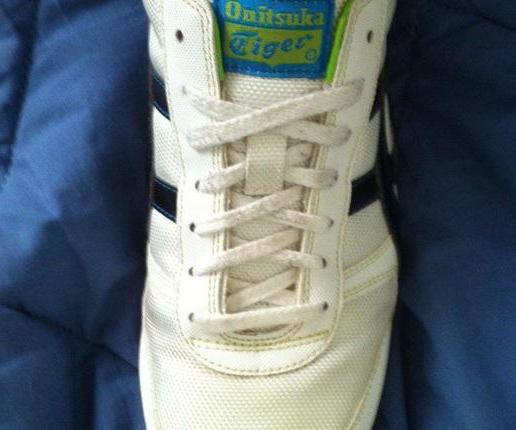 как завязывать шнурки на кедах и кроссовках