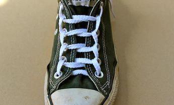как модно завязывать шнурки на кроссовках