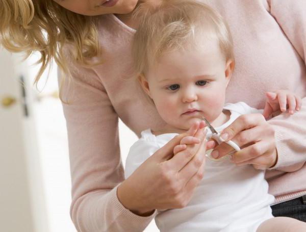 Если у малыша слоятся ногти