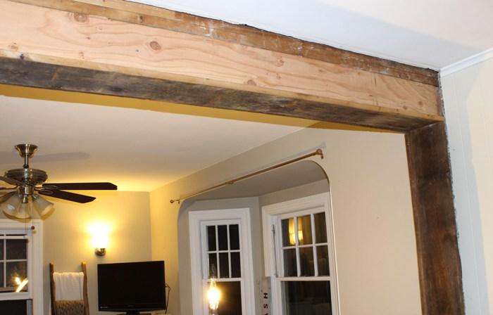 Демонтаж деревянной стены