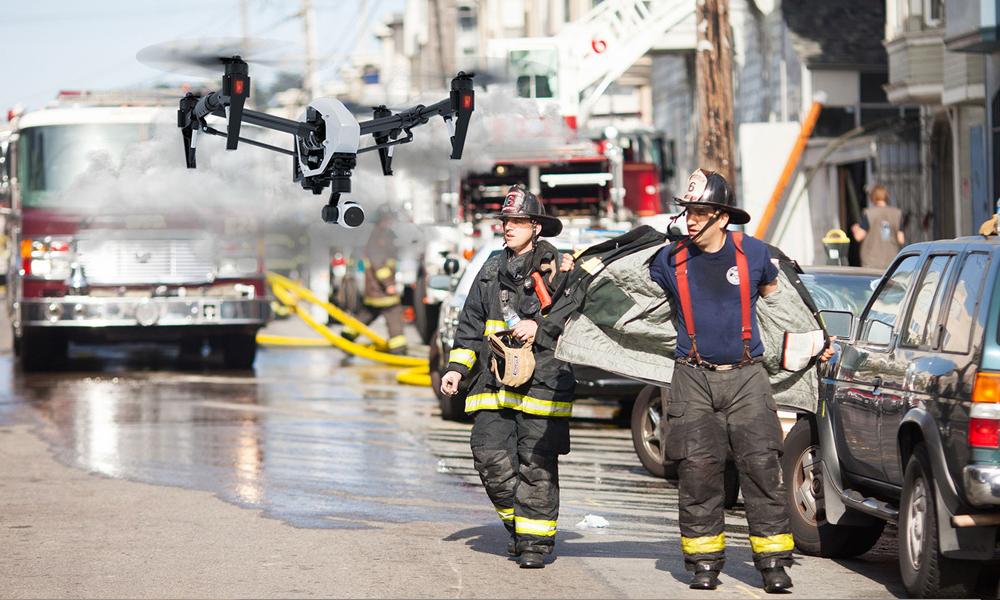 каски американских пожарных