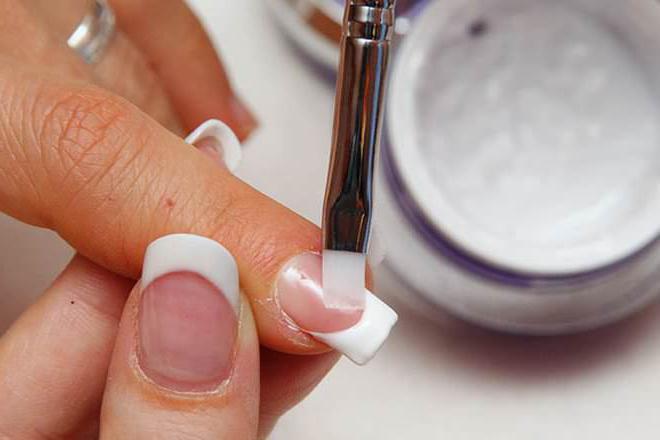 Цветной гель для ногтей: обзор, виды и техника применения