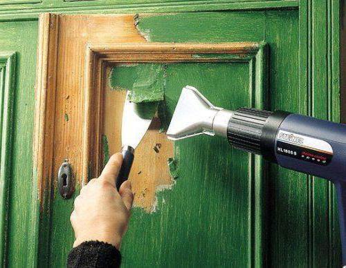 Покраска деревянных межкомнатных деревянных дверей