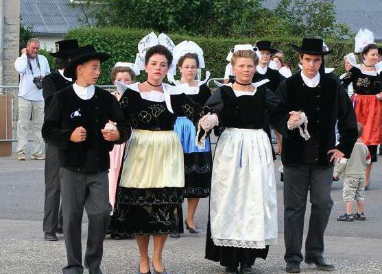 национальный костюм франции фото
