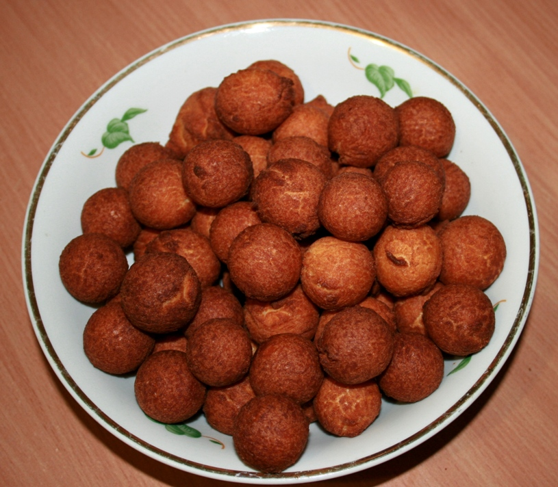 fried balls with condensed milk