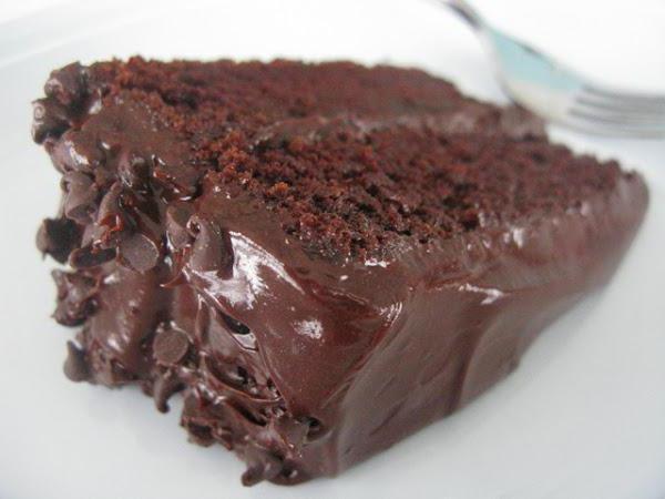 Шоколадный торт с шоколадной глазурью