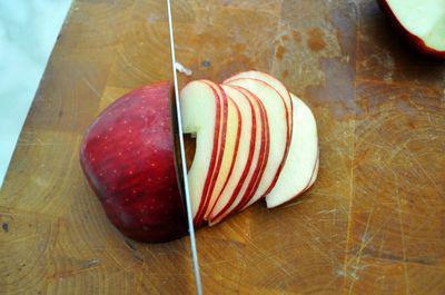 розы из слоеного теста с яблоками рецепт с фото