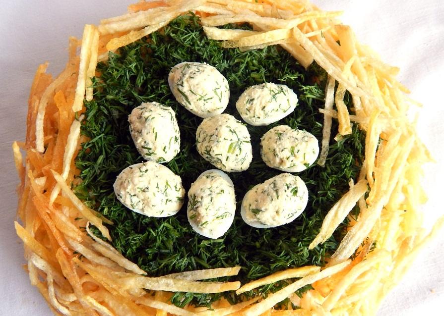 час форме как приготовить салат семейное гнездо является