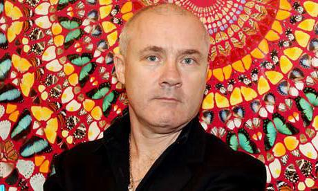 Damien Hirst is one of the richest artists in life.
