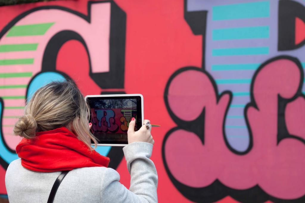 граффити на стенах домов