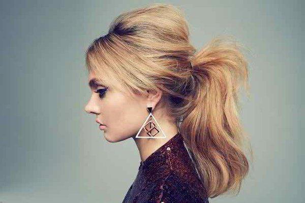 Прически с хвостом на средние волосы