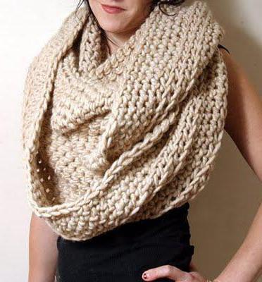 ажурный круговой шарф спицами