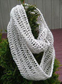 круговой шарф спицами английской резинкой