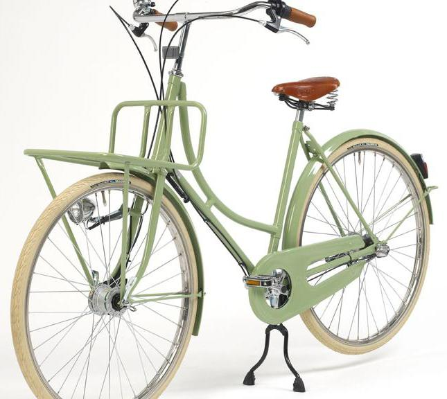 старинный трехколесный велосипед