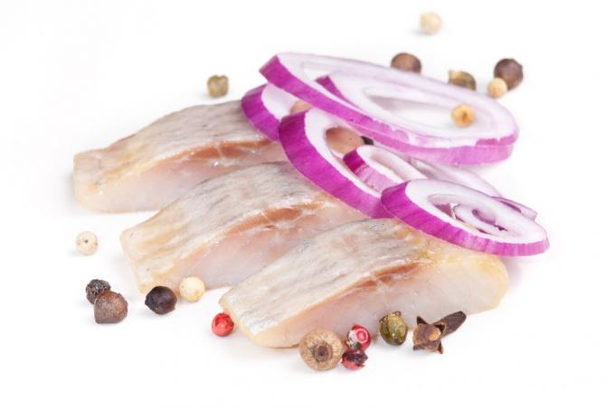 How to salt herring?