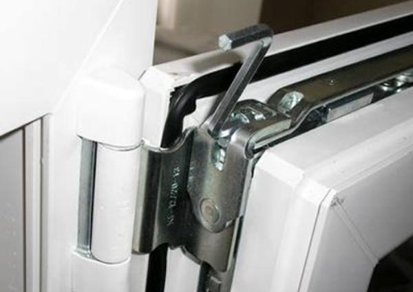 Plastic windows: adjustment of fittings
