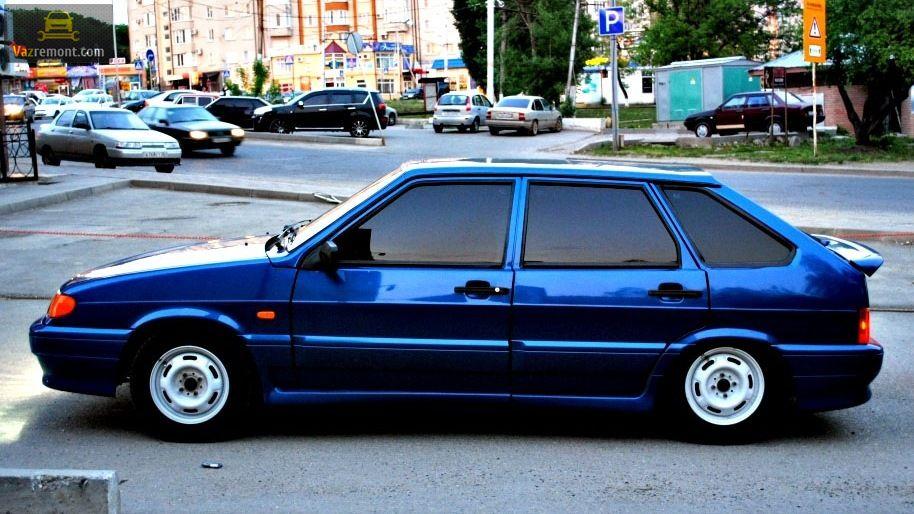 ВАЗ-2114 синего цвета
