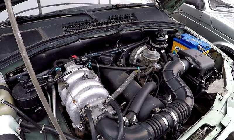Двигатель 2123