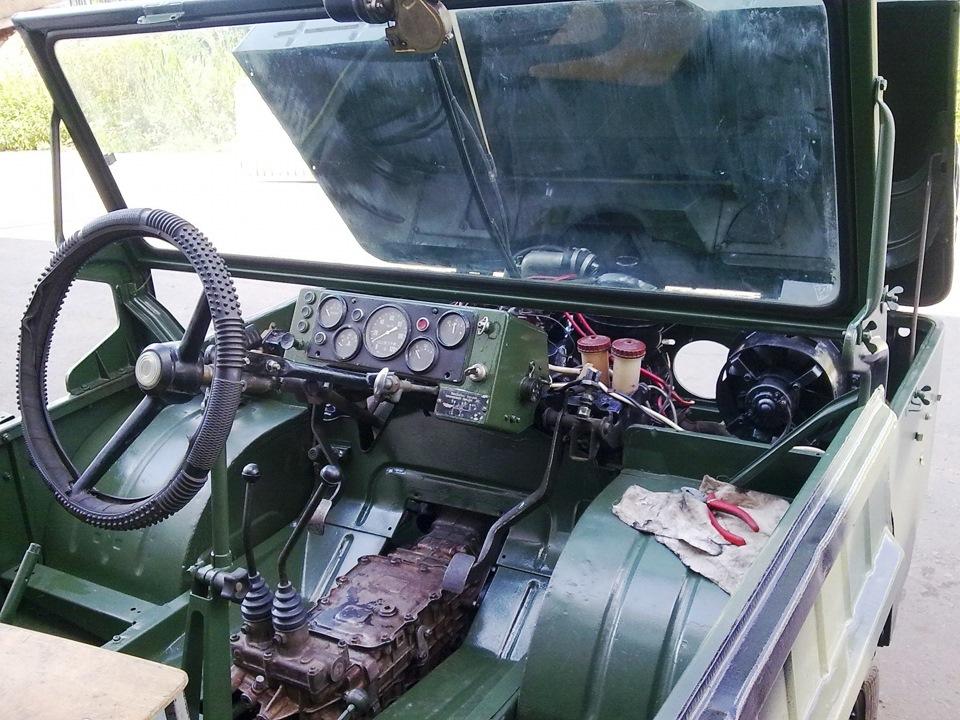 ЛуАЗ-967 внутри
