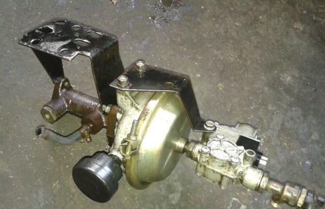 Часть тормозной системы ГАЗ-3309