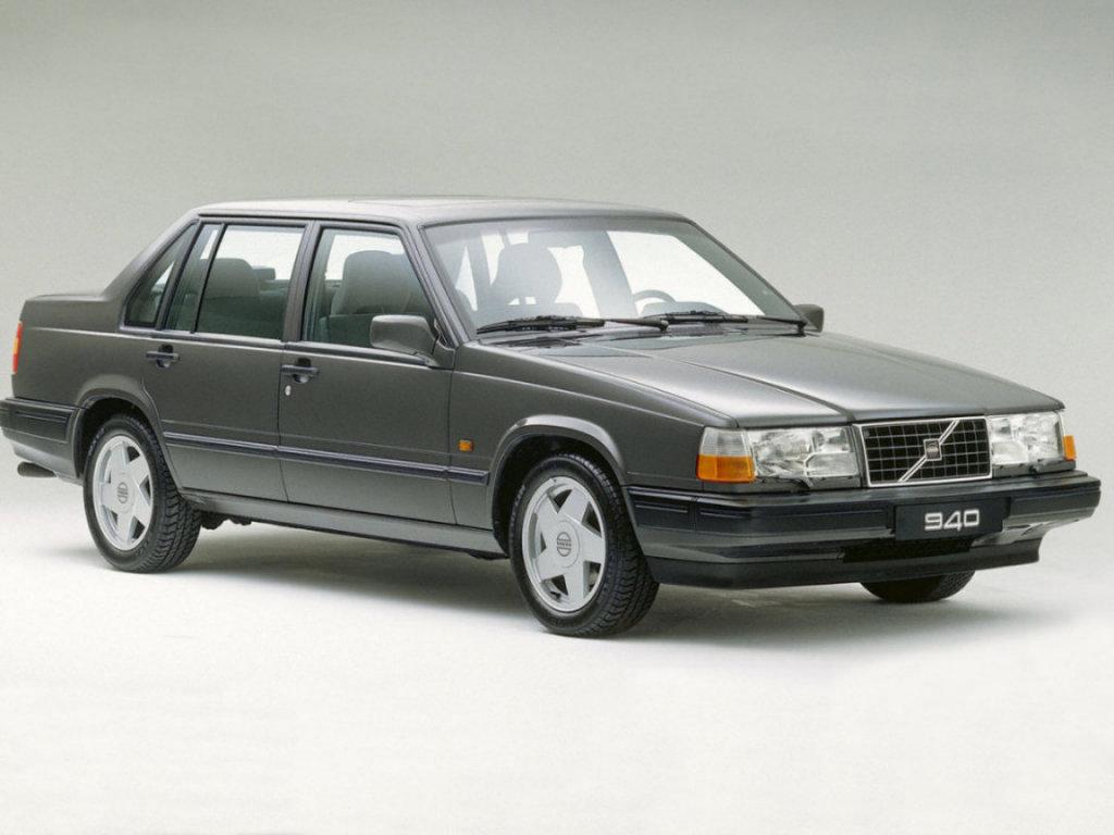 "Car ""Volvo-940"""