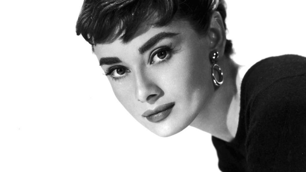 """Audrey Hepburn. Secrets of style """