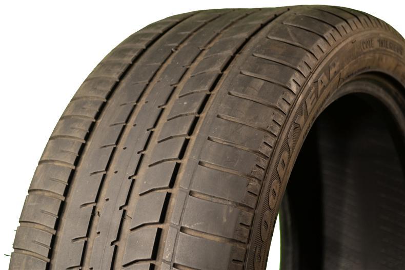 Изношенная шина Goodyear Eagle NCT5