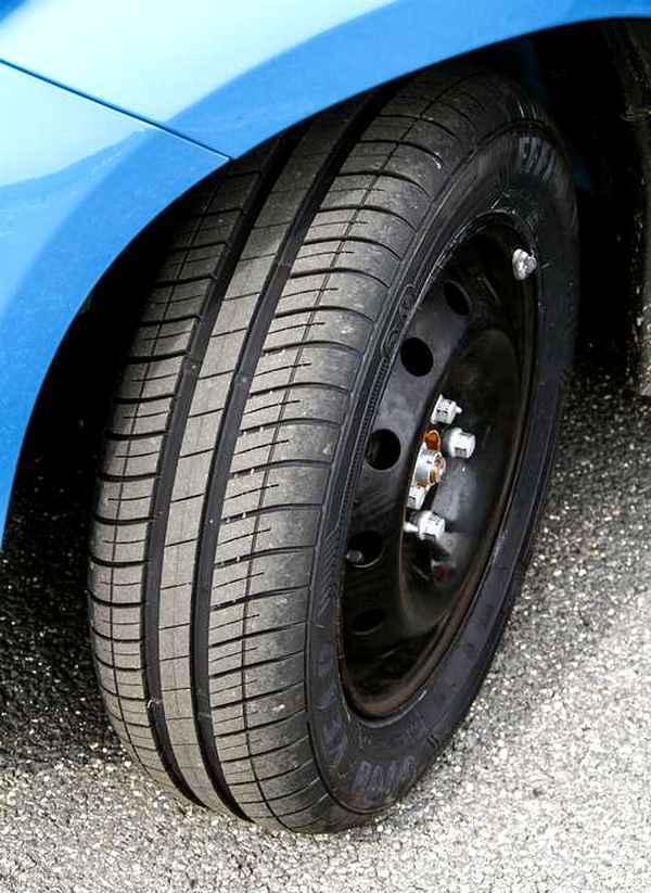 efficientgrip compact goodyear на автомобиле