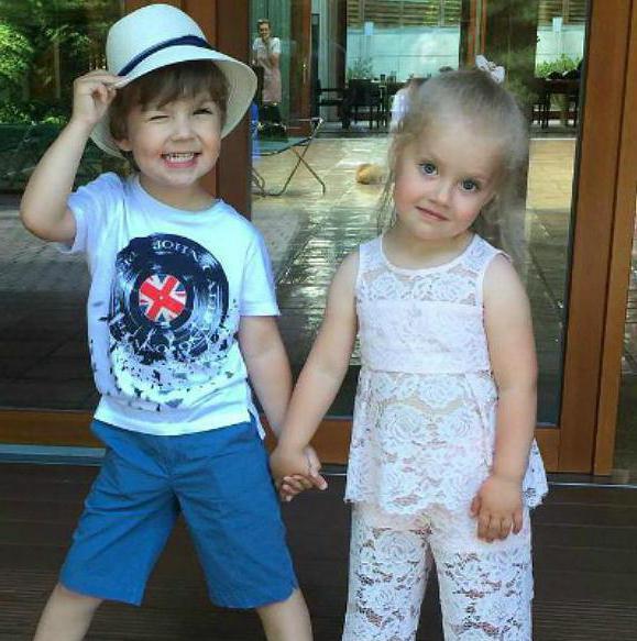откуда дети у Пугачевой и Галкина