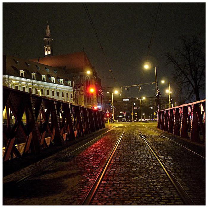 разворот под знаком на трамвайных путях