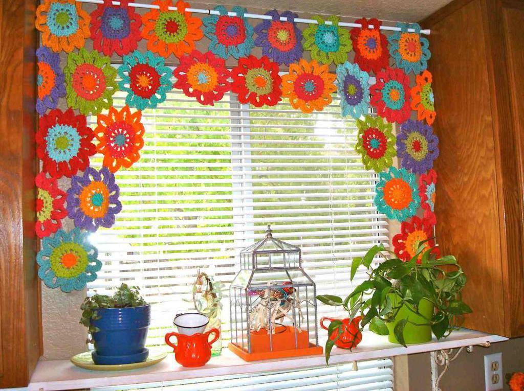 вязаные шторы на кухню
