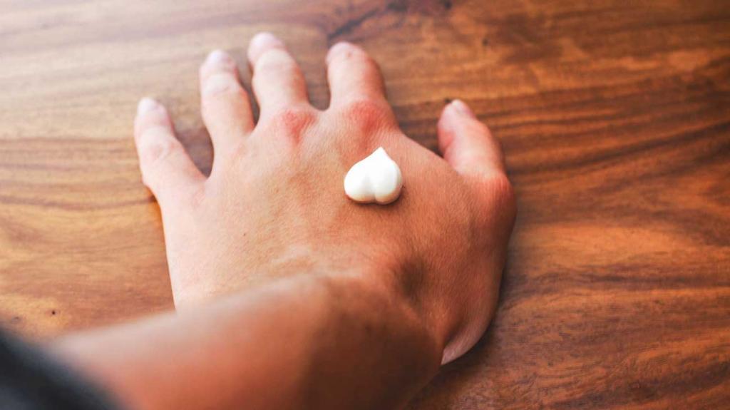 Как отбелить руки: обзор кремов и домашние рецепты