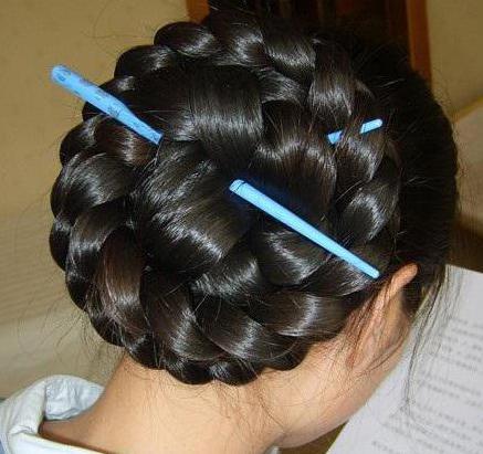 прически на длинные волнистые волосы