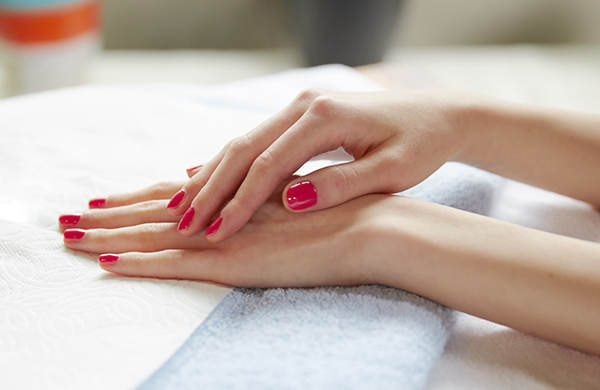 favorable days for manicure in may