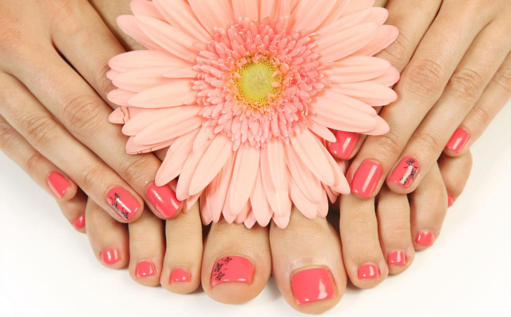 Nail extension with biogel at home