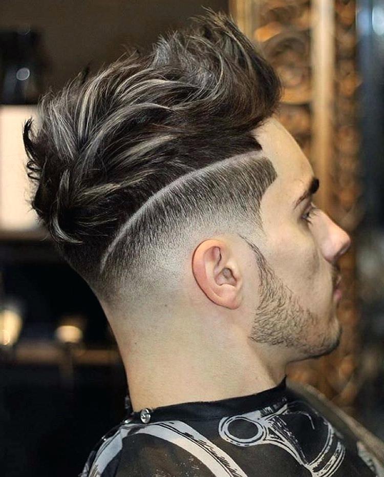 модная мужская стрижка с выбритыми висками