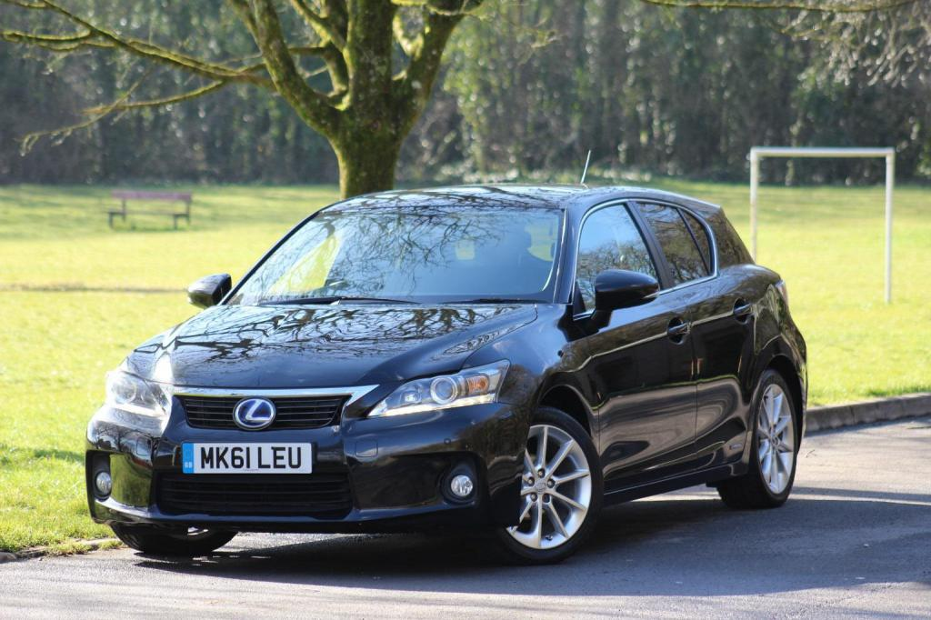 Lexus CT 200h: отзывы