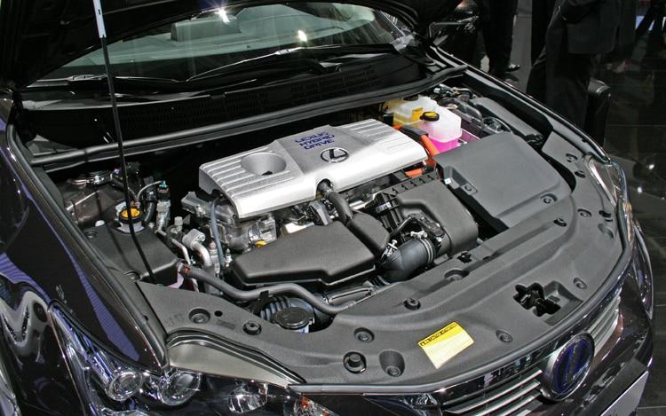 Lexus CT 200h: отзывы владельцев