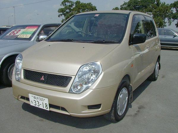 Mitsubishi Dingo до рестайлинга