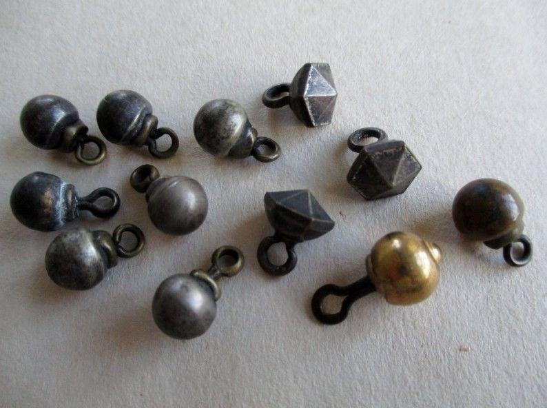 Пуговицы-гирьки: застежка, украшение и оберег. Старинные пуговицы