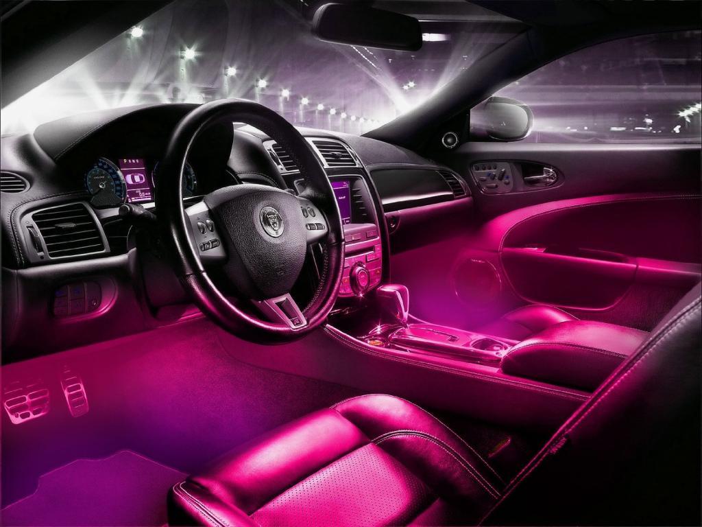 Светодиодная подсветка ног в машине