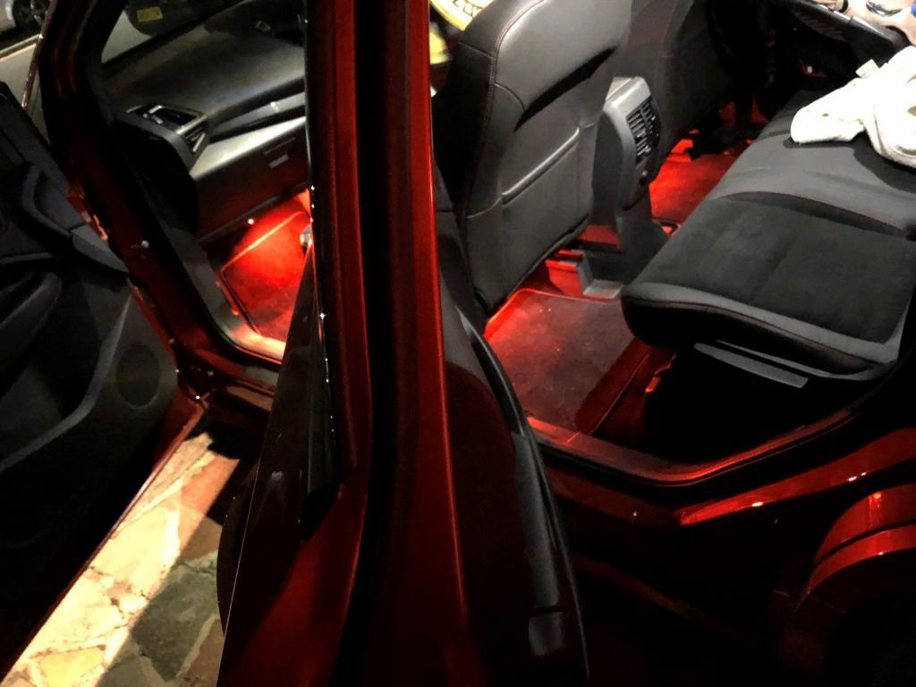 Подсветка под ноги в авто
