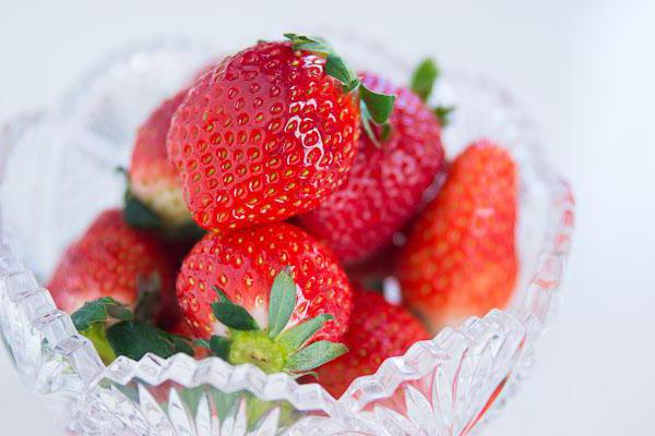 калорийность замороженной клубники с сахаром
